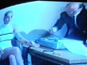 In den USA erlaubt, in Deutschland verboten: Sharon Stone beim Lügendetektortest. Basic Instinct.