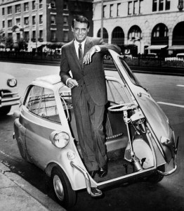 cary-grant-in-his-bmw-isetta-300-in-1958